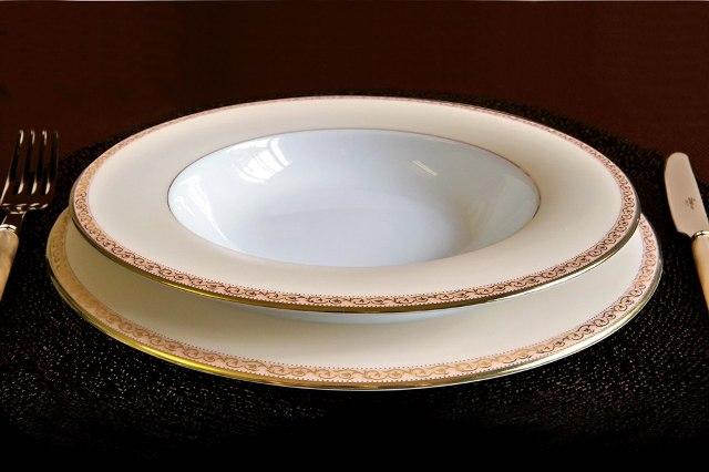 Servizio di piatti in porcellana per 12 persone - Di Cristofalo ...