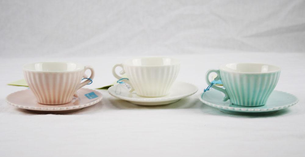 tazza da caff con piatto disponibile in vari colori