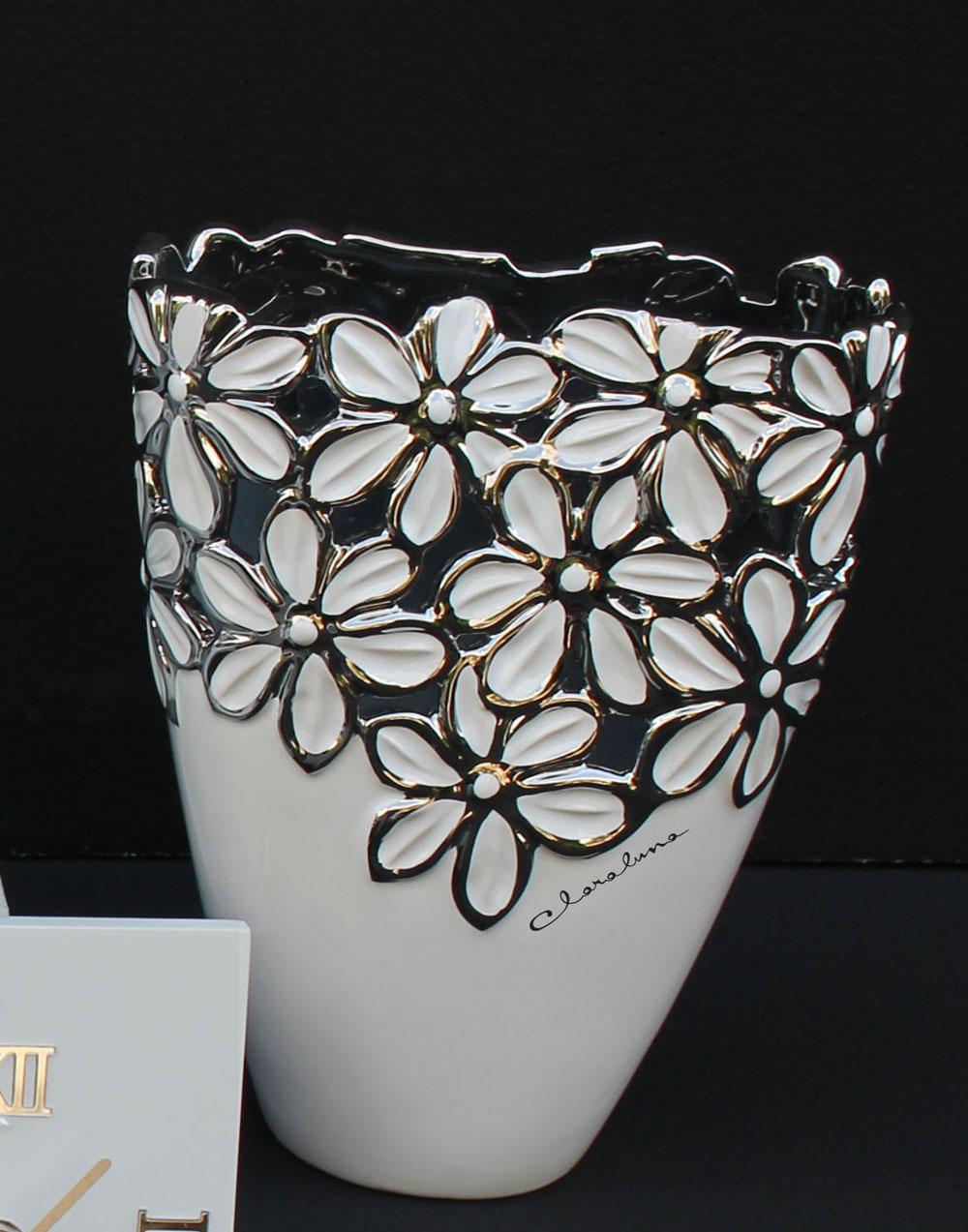 Vaso in porcellana con fiori di cristofalo bomboniere on for Vaso di porcellana