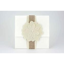 Partecipazione quadrata con fiore e perla