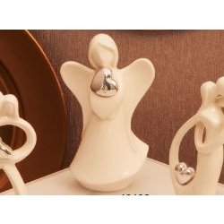 Statua Angelo con cuore argentato