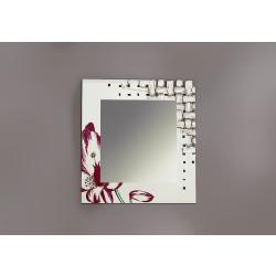 Specchio con cornice laccata e incisa a laser