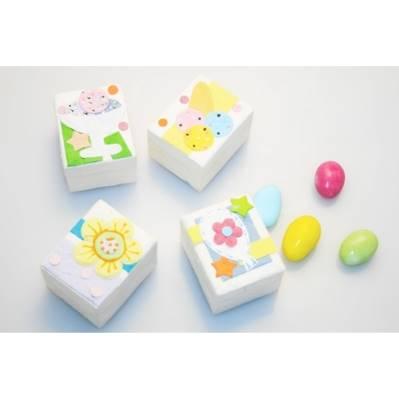 Scatole portaconfetti con dolcetti