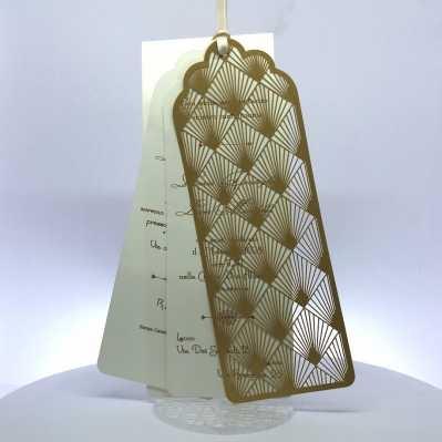 Partecipazione di nozze composta da tre cartoncini legati da un nastrino in raso