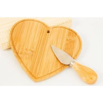 Tagliere Cuore in legno di bambù - BOMBONIERE SOLIDALI