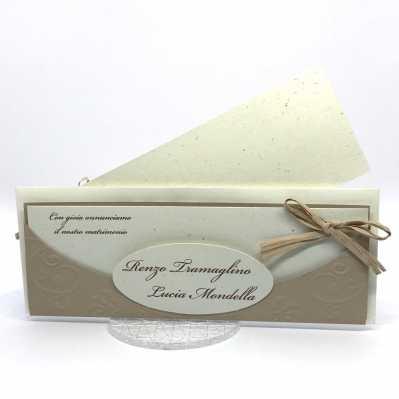 Partecipazione di matrimonio in carta cipria e riciclata