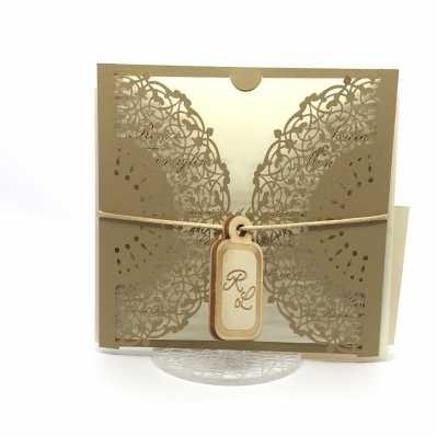 Partecipazione di nozze laser in carta marrone e legnetto personalizzato