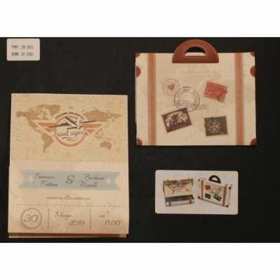 Partecipazione pieghevole in cartoncino avorio chiaro stampato