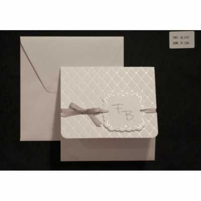 Partecipazione cartoncino avorio lavorato con applicazione nastro di raso