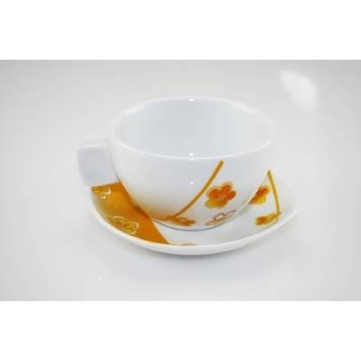 Tazza da colazione con fiori arancio