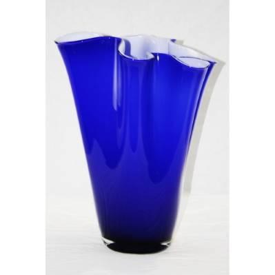 Vaso in cristallo opaco blu