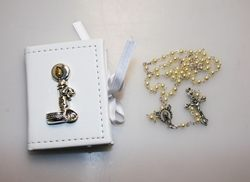 Portarosario con applicazioni in argento e rosario in perle - Battesimo