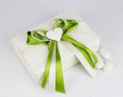 Scatolina porta confetti con cuore e nastro verde - bomboniera x Matrimonio