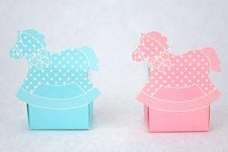 Scatolina quadrata portaconfetti con cavallo a dondolo
