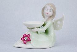 Angioletto in porcellana colorata con fiore di strass