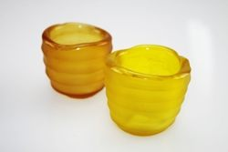 Candeliere a bicchiere in vetro colorato