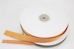 Nastro in rigatino arancione con pois bianchi