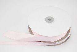 Nastro in rigatino rosa con pois bianchi