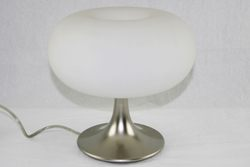 Lampada in vetro e acciaio