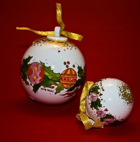 Sfera in porcellana con decorazioni natalizie - 2 misura