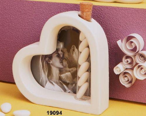 Cuore portafoto con provetta confetti