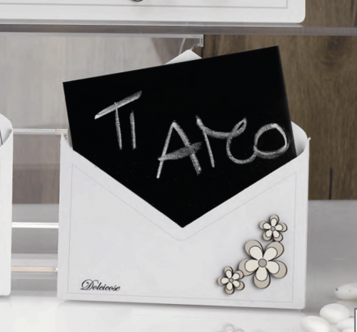 Lavagna a forma di lettera con fiori Charlotte