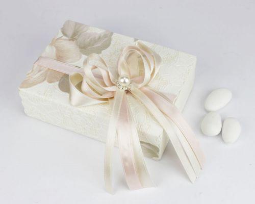 Scatolina porta confetti con rosa e perla - bomboniera per Matrimonio