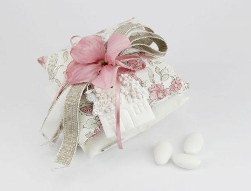 Doppio Cuscinetto portaconfetti con fiore e casetta Bomboniera Nozze linea FIOR DI LOTO - Joel