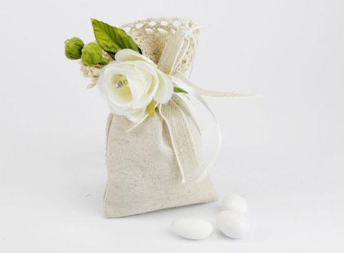 Saccoccino portaconfetti beige con applicazione fiori - Nozze / 1° Comunione