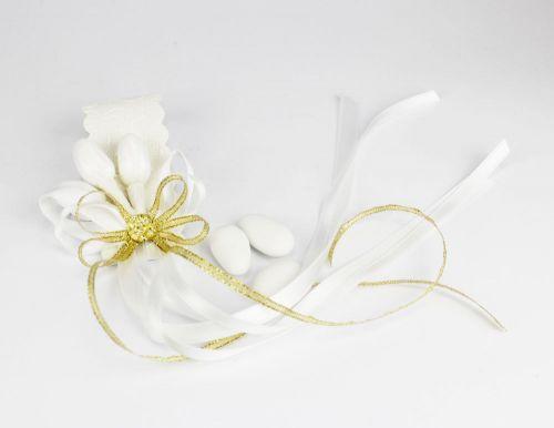 Porta tovaglioli segna posto con 3 confetti decoro dorato per nozze d'oro