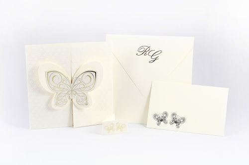 Partecipazione quadra con farfalla tridimensionale