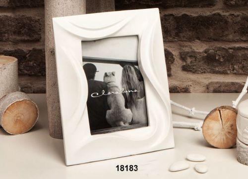 Cornice portafoto in ceramica bianca