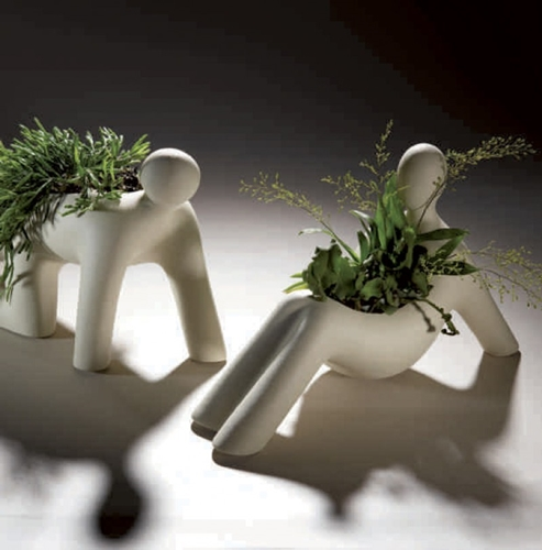 Fioriere a forma d'uomo in gres porcellanato - Linea Sette