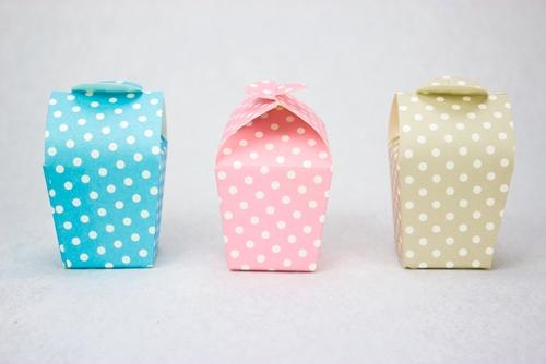 Scatolina portaconfetti a pois - tre colori