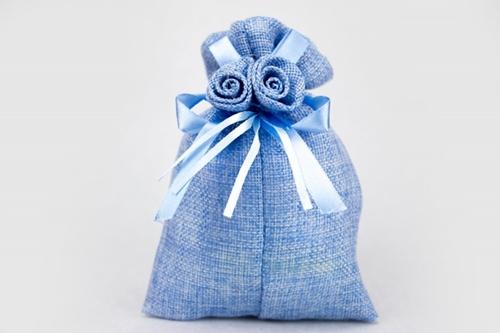Saccoccino portaconfetti in tela con due rose - nascita e battesimo