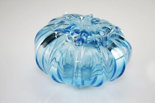 Frutta in cristallo colorato