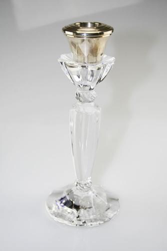Candeliere con applicazioni in argento