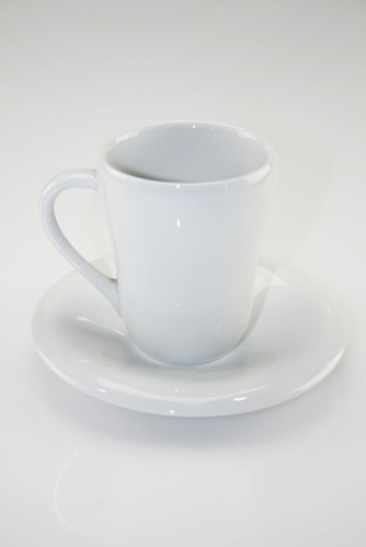 Mug con piatto in porcellana