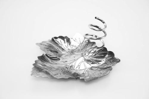 Ciotola a foglia in argento