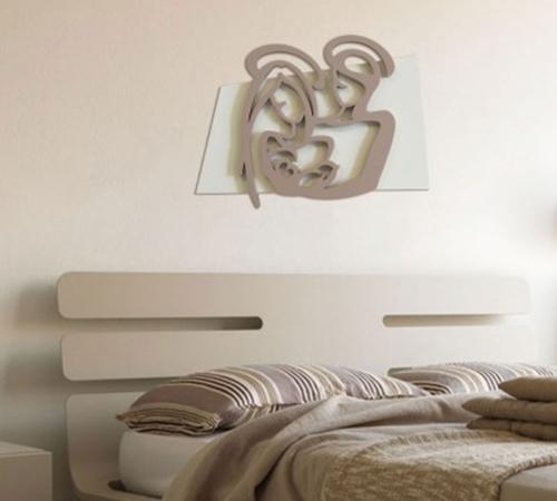 Capezzale con sacra famiglia dal design moderno laser for Sacra famiglia quadri moderni